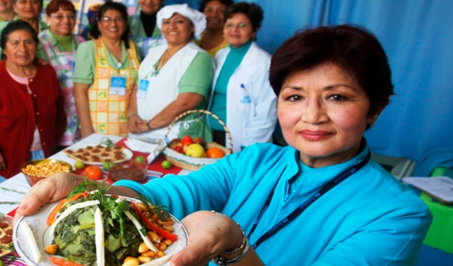 Prohíbe venta de comida 'chatarra' en sus instalaciones