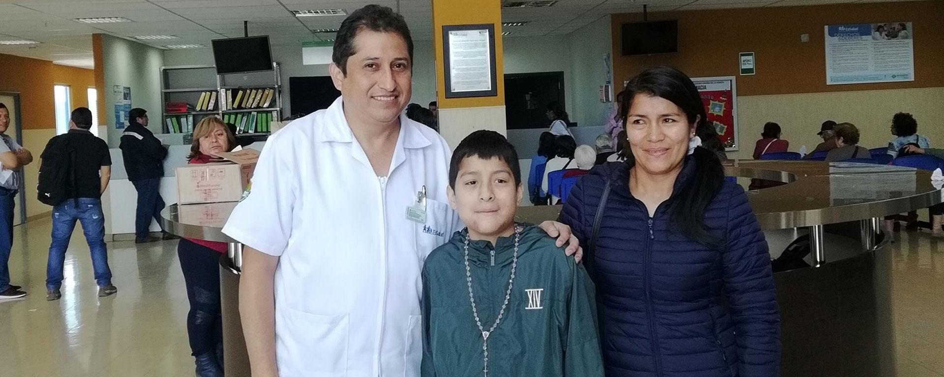 Essalud - EsSalud La Libertad realizó primera cirugía de reconstrucción de mandíbula