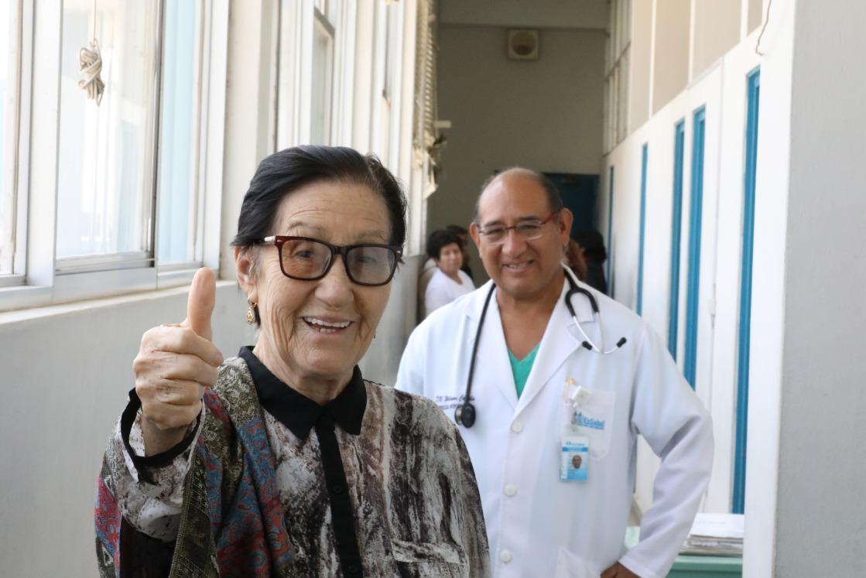 Essalud - Médicos salvan vida de octogenaria con compleja operación al corazón