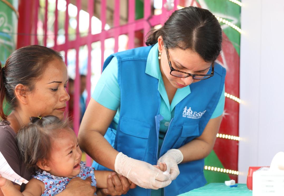 Essalud - EsSalud realizó más de 700 atenciones médicas a niños de zonas pesqueras para prevenir anemia