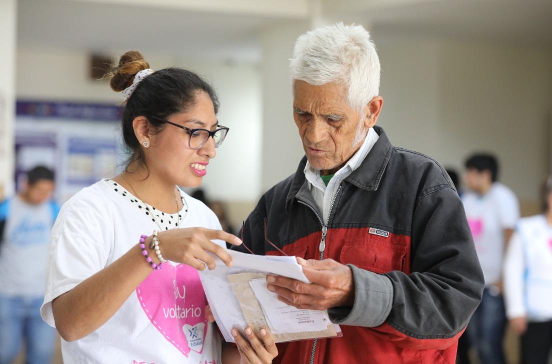 Más de 300 jóvenes universitarios se suman a programa de voluntariado del hospital Almenara
