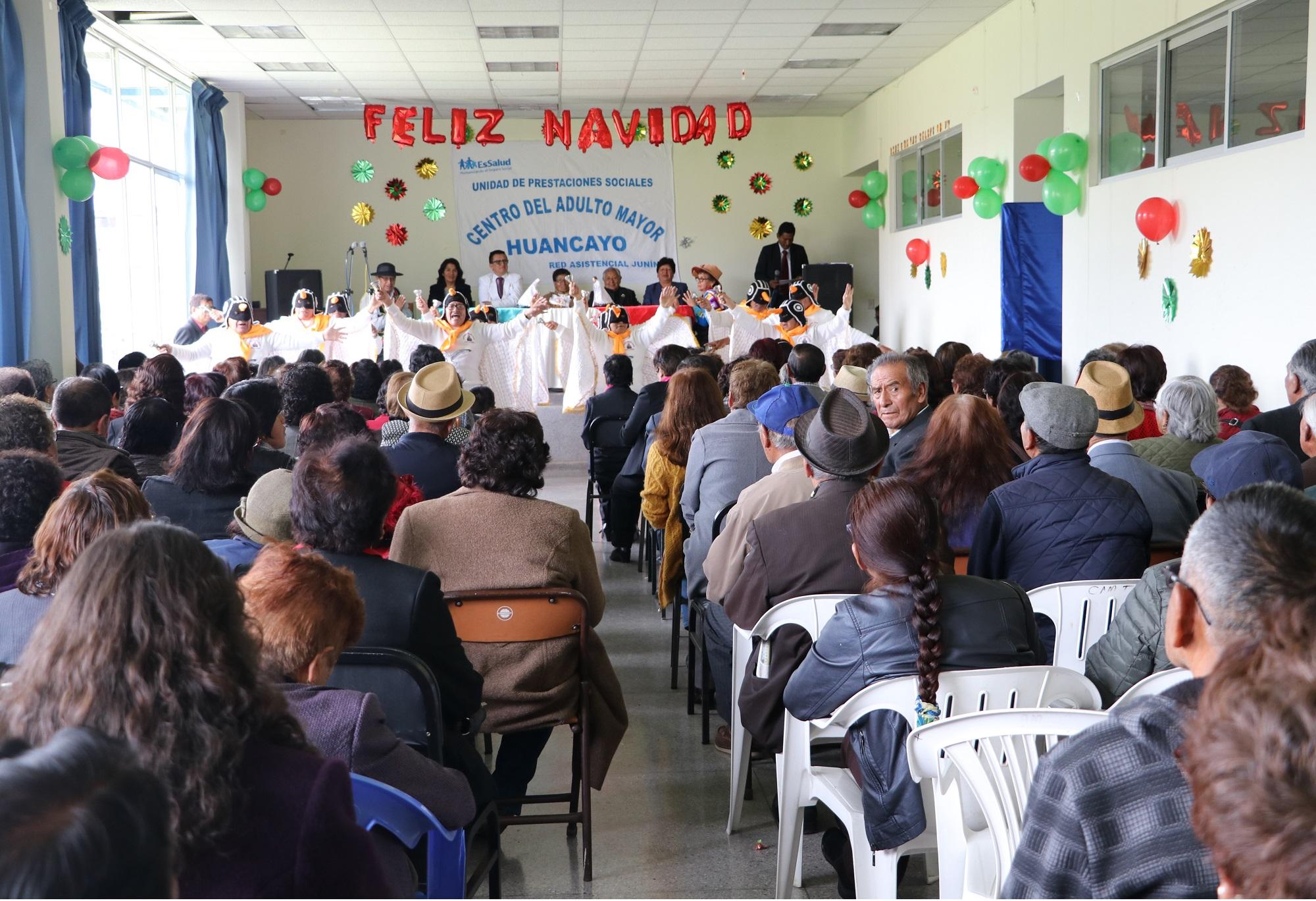 Essalud - EsSalud Junín: Centro del Adulto Mayor de Huancayo celebra la Navidad