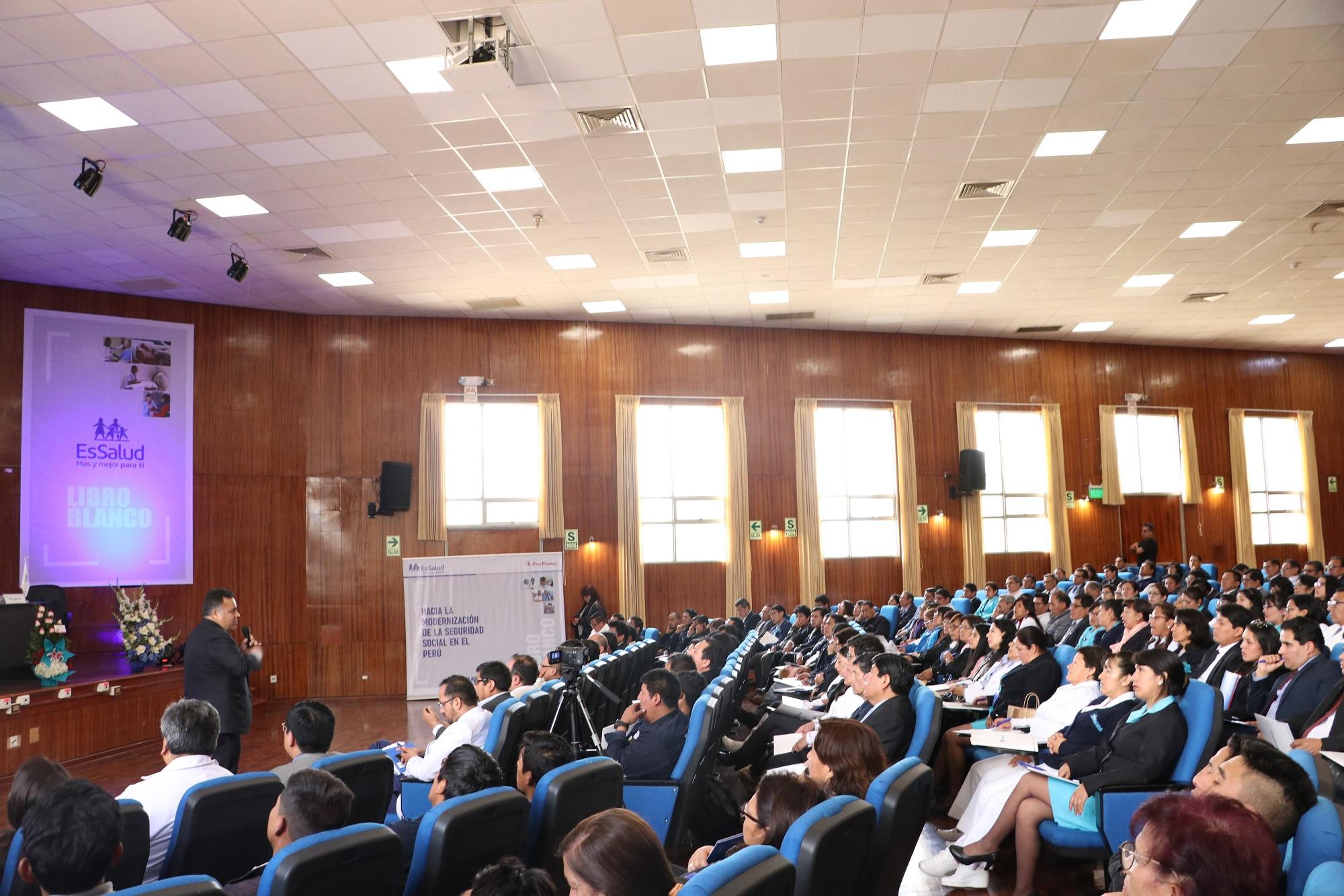 Essalud - EsSalud Junín presentó el Libro Blanco, en la ciudad de Huancayo