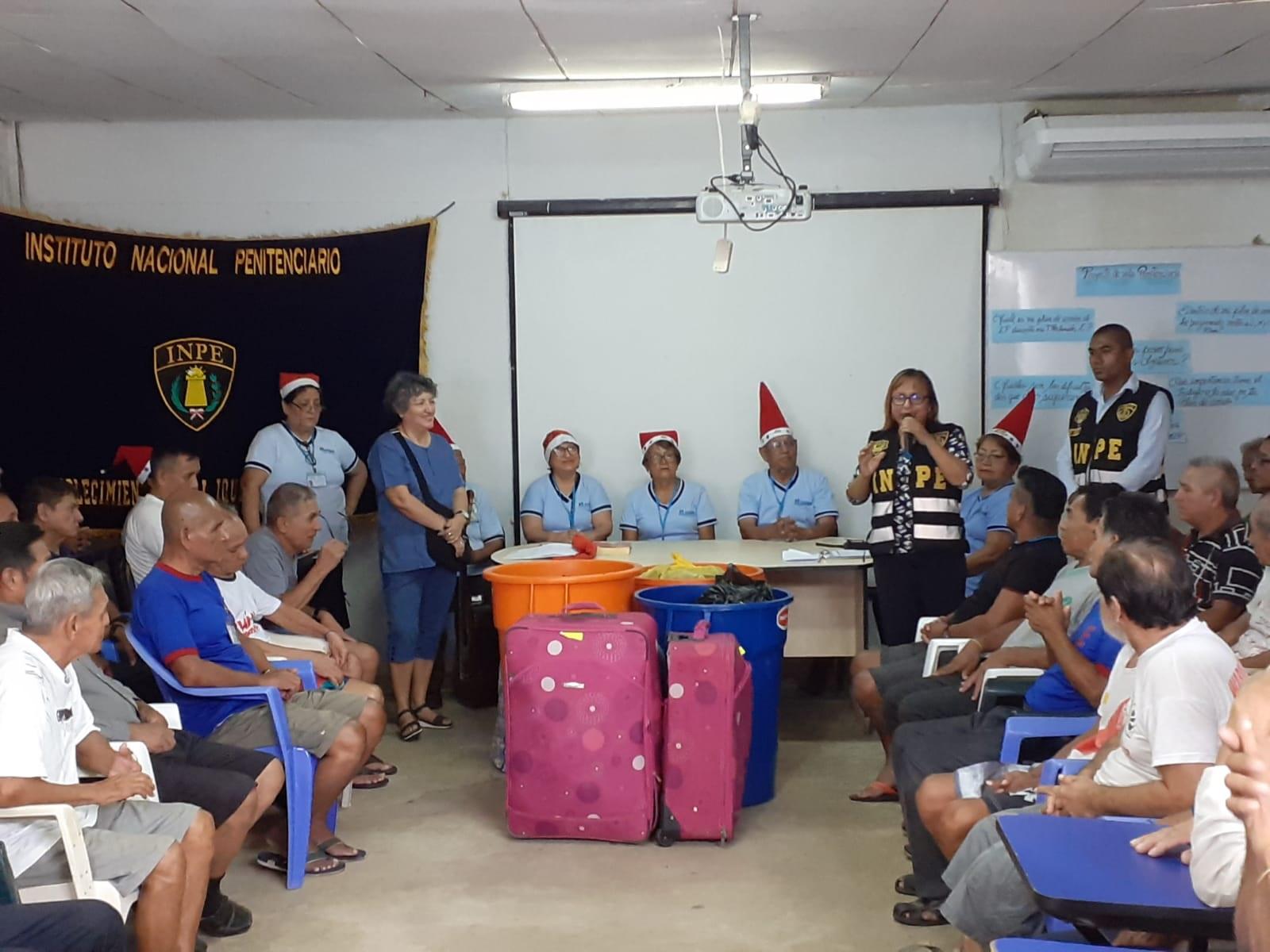 Essalud - CAM de EsSalud Loreto desarrolla actividad social para adultos mayores del Centro Penitenciario de Iquitos