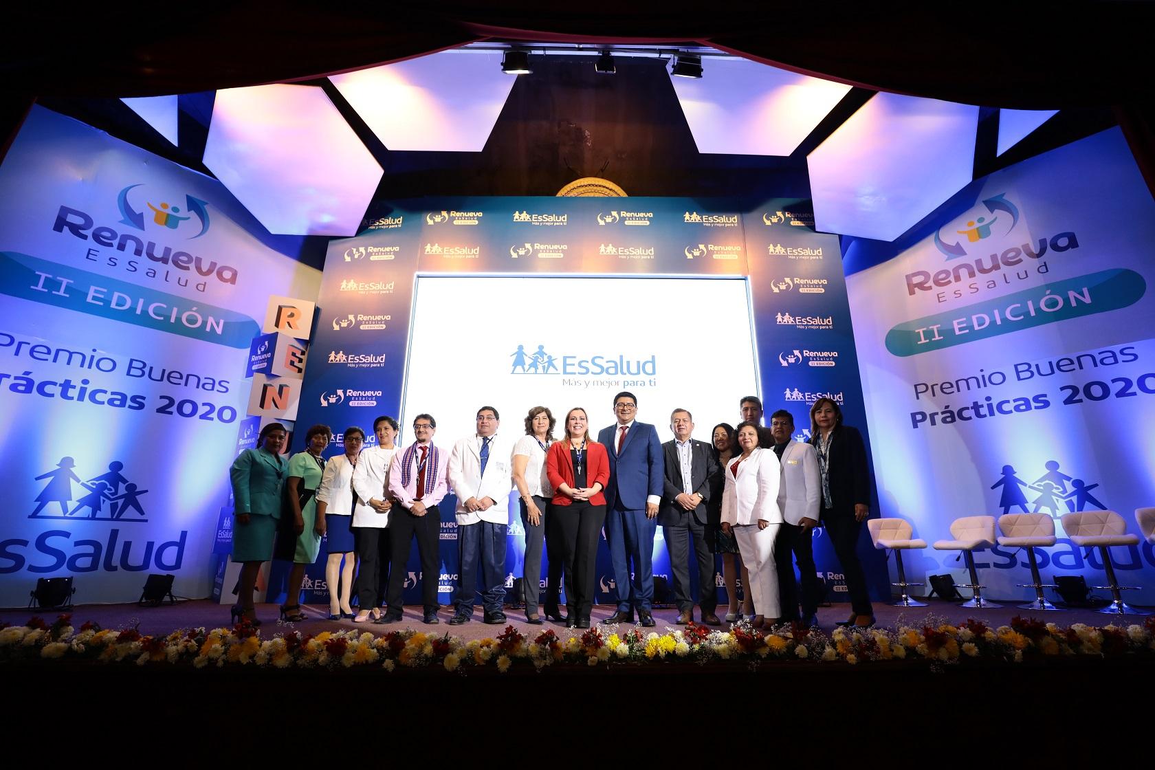 Essalud - EsSalud premiará a personal que mejore la atención de pacientes con prácticas innovadoras