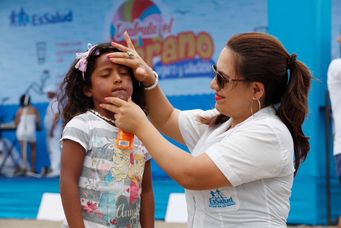 EsSalud: quemaduras solares en la infancia incrementa riesgo de padecer cáncer en edad adulta