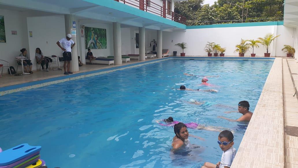 Essalud - EsSalud Tarapoto dio inicio a taller de natación para hijos de colaboradores