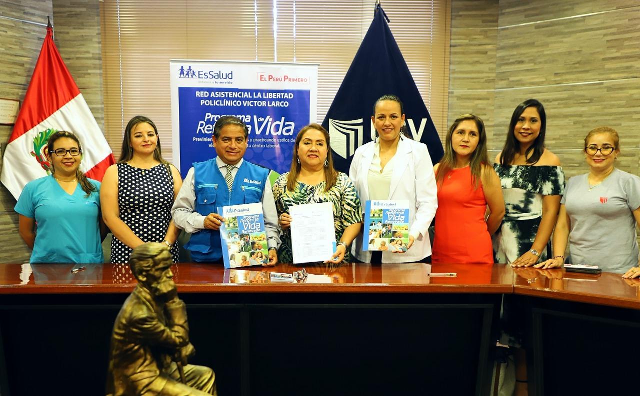 Essalud - EsSalud La Libertad y UCV firman convenio de Reforma de Vida Saludable