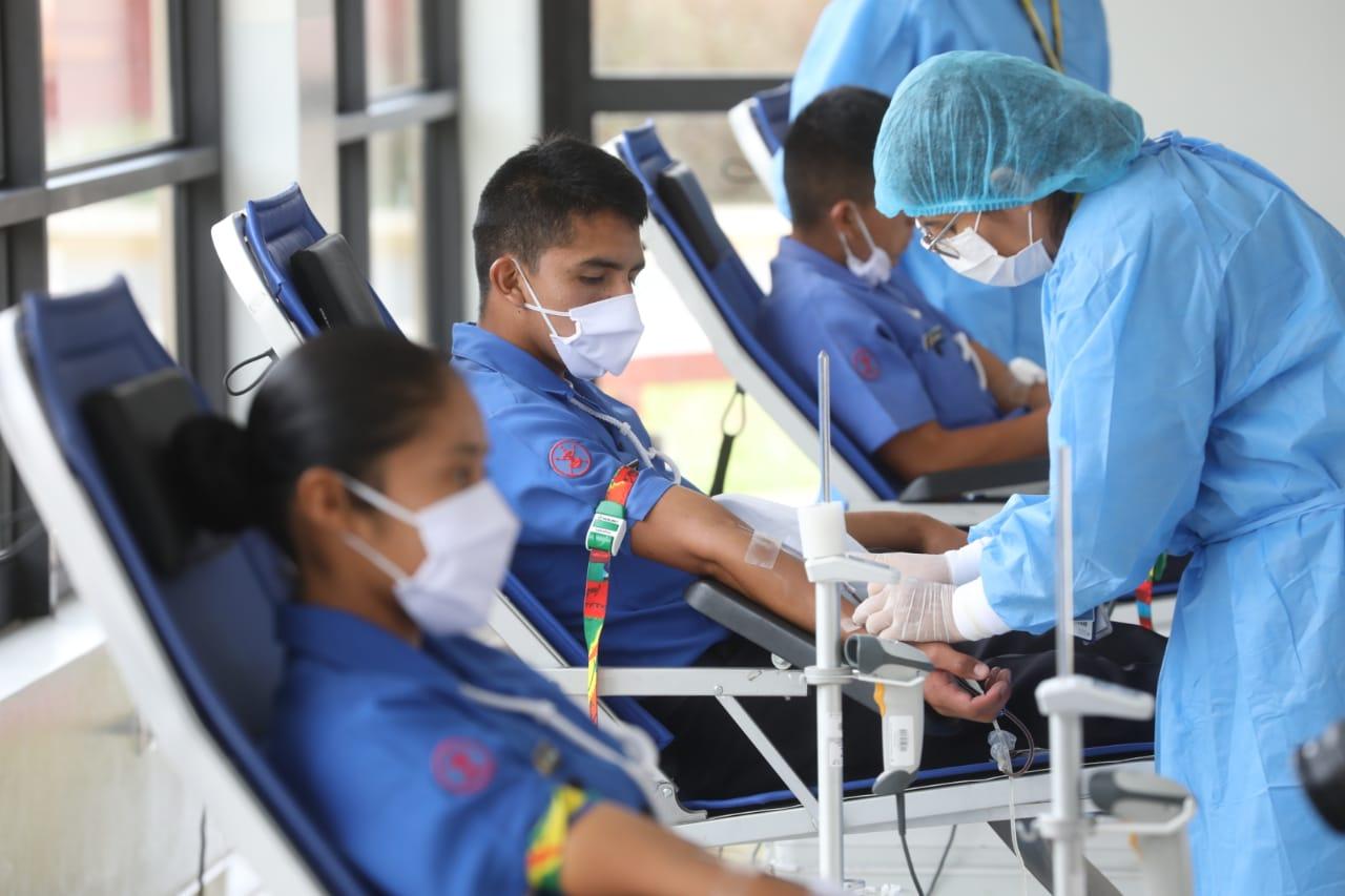 Essalud - Fuerzas Armadas continúan comprometidos con campaña de donación de sangre de EsSalud