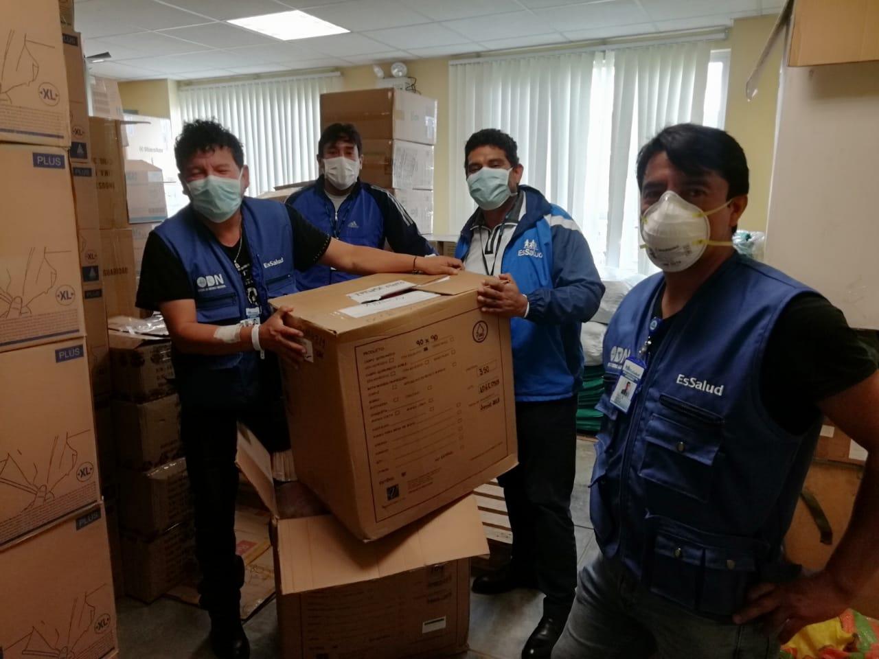 Essalud - EsSalud Apurímac recibe equipos de protección para sus trabajadores asistenciales