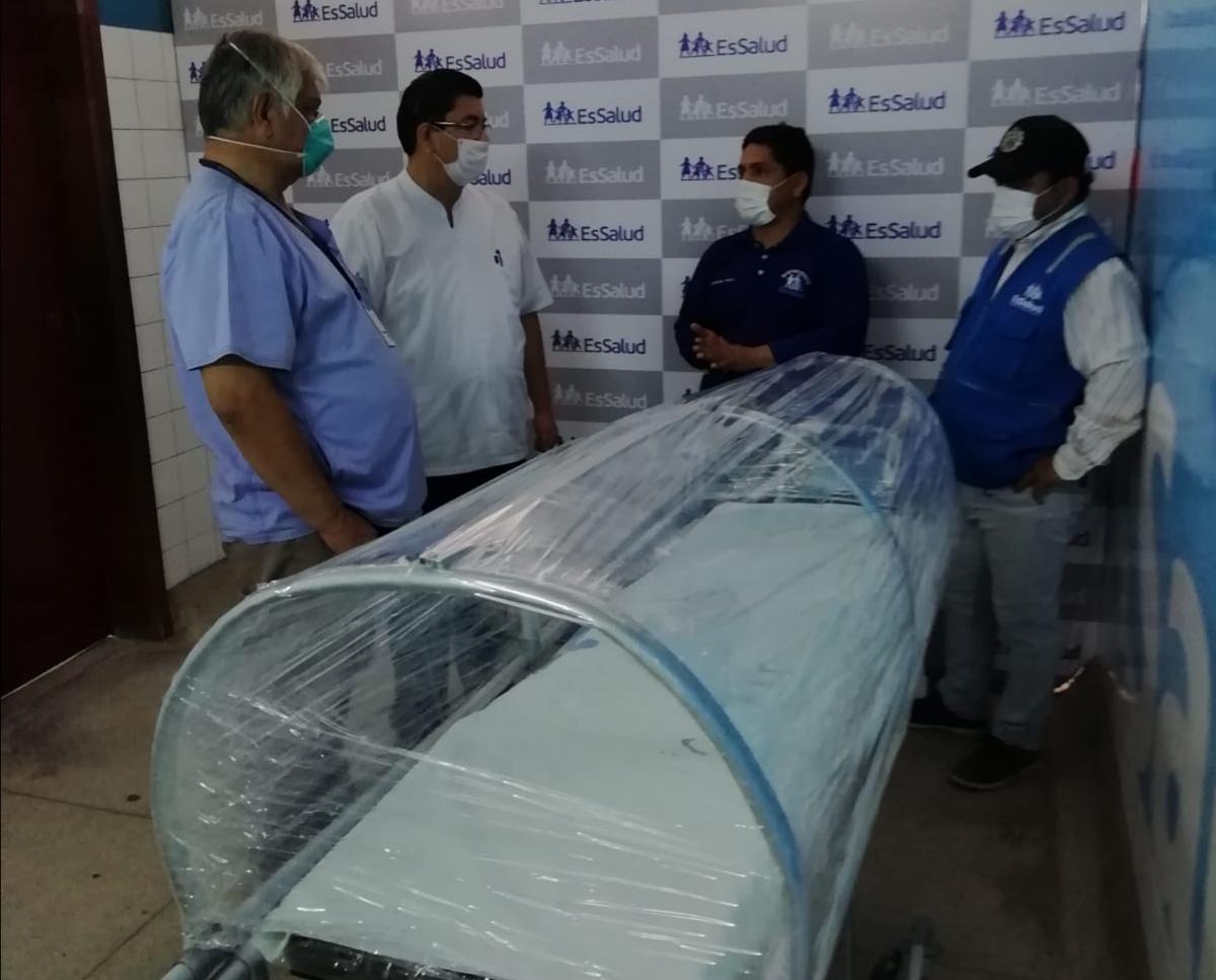 EsSalud Loreto crea prototipo de cápsula de aislamiento para pacientes Covid 19