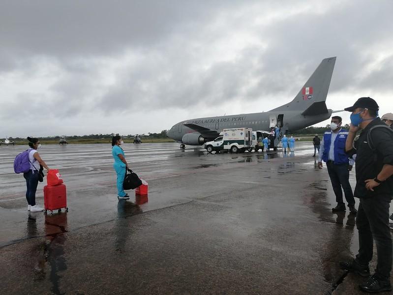 Essalud - EsSalud traslada once pacientes con COVID-19 desde Iquitos a Villa Panamericana
