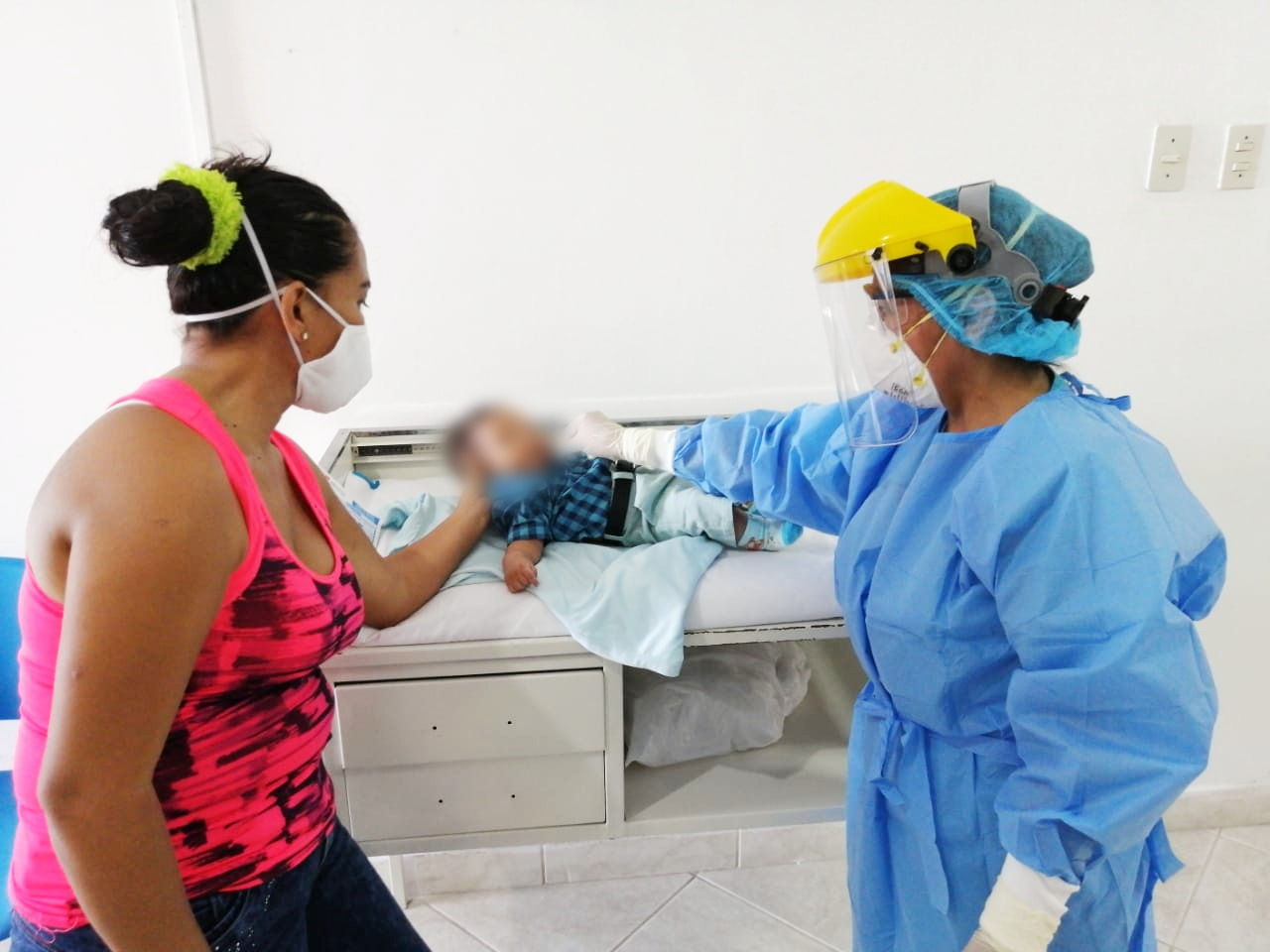 Essalud - EsSalud Tumbes reinicia vacunación a niños, gestantes y adultos mayores