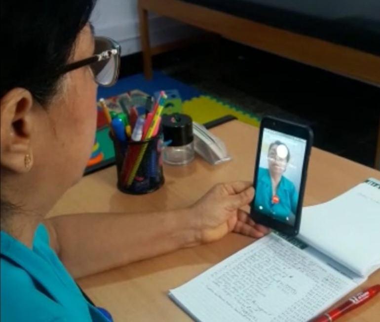 EsSalud Moyobamba realiza teleconsejería a pacientes adultos y adultos mayores crónicos