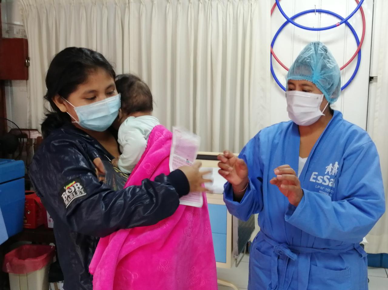 Essalud - EsSalud Madre de Dios inicia el calendario de vacunación para niños asegurados
