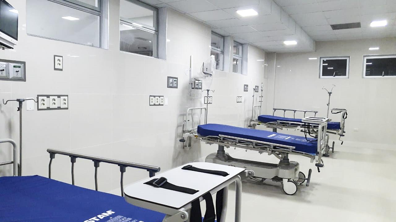 Essalud - EsSalud pone en marcha nueva Unidad de Cuidados Intensivos y servicio de emergencia exclusivo para pacientes con Covid-19 en Juliaca