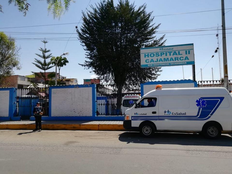 Essalud - En EsSalud Cajamarca extirpan tumor de 15 kilos de peso
