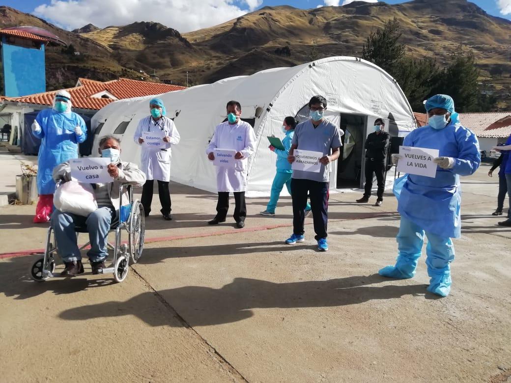 Essalud - EsSalud Huancavelica da de alta a cuatro pacientes que superaron el Covid-19
