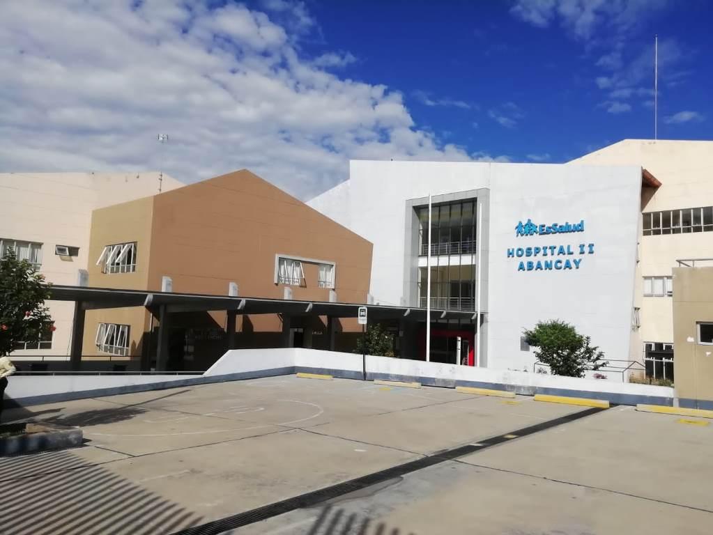Médicos de EsSalud Apurímac intervienen exitosamente a albañil de 84 años con Covid-19