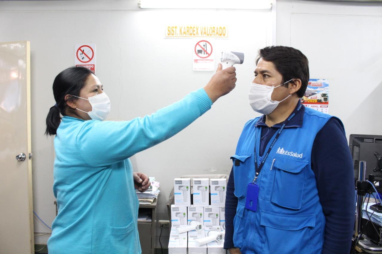 EsSalud Puno adquiere modernos termómetros clínicos digitales para sus centros asistenciales