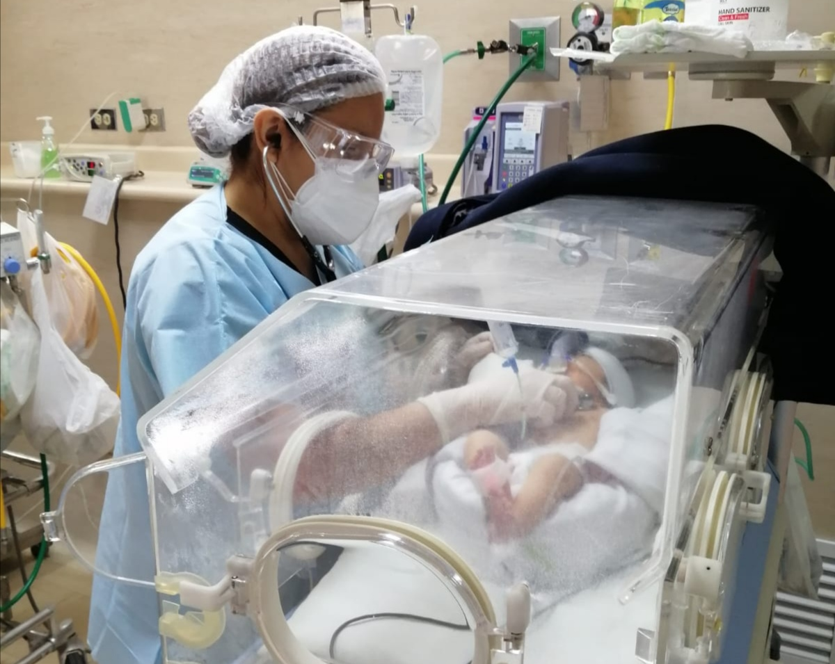 Essalud - EsSalud La Libertad: 400 bebés fueron atendidos en Unidad Neonatal de Hospital Lazarte, durante emergencia sanitaria