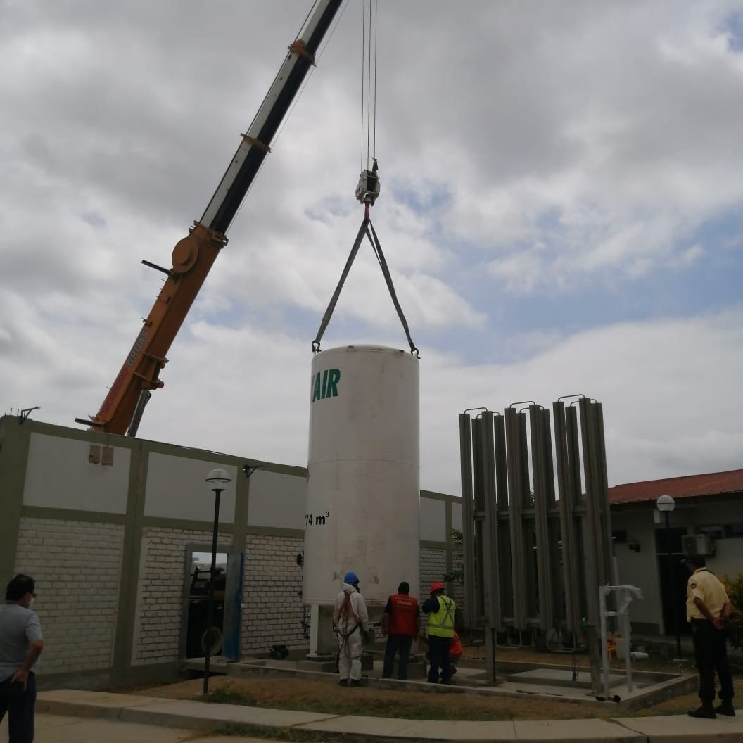 Essalud - EsSalud instala isotanque de oxígeno en Tumbes para atención Covid-19