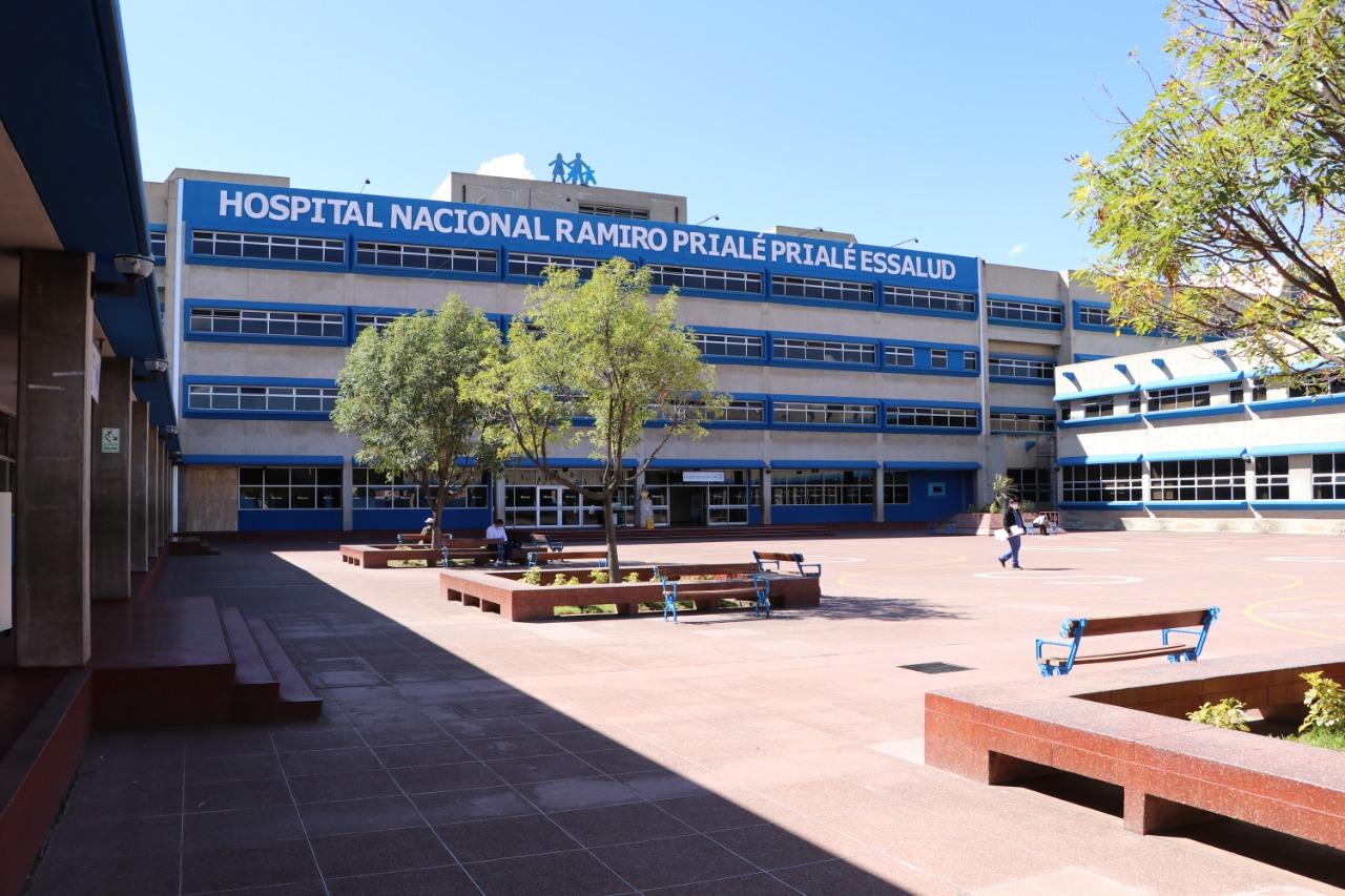 Essalud - EsSalud Junín se encuentra abastecida de oxígeno para la atención de pacientes con Covid-19