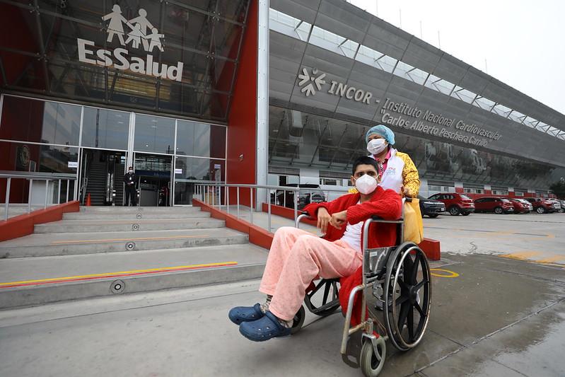 EsSalud realiza exitosa cirugía para curar muy rara enfermedad al corazón