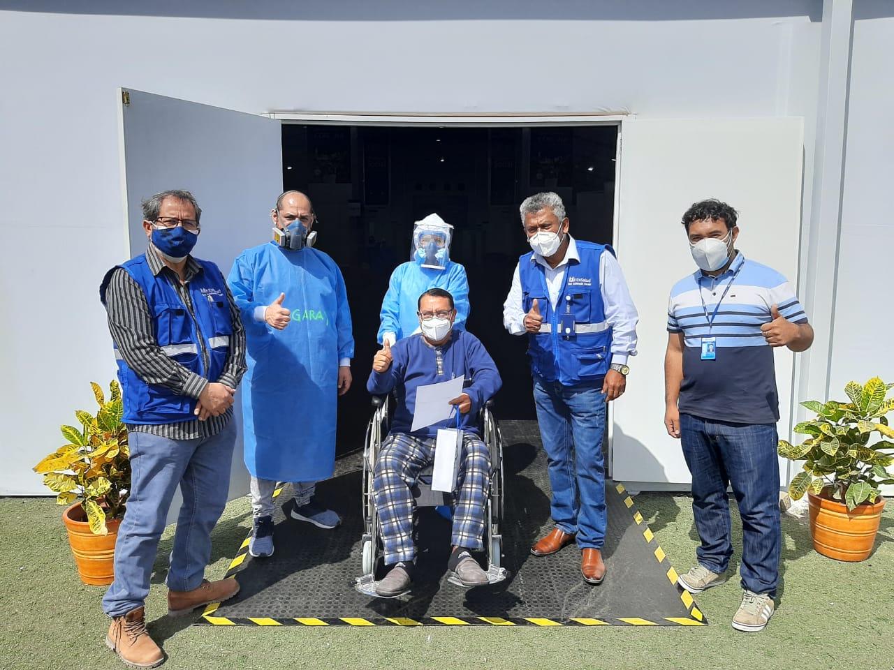 Essalud - Dan de alta a primer paciente en la Villa EsSalud Chimbote que supera el Covid-19