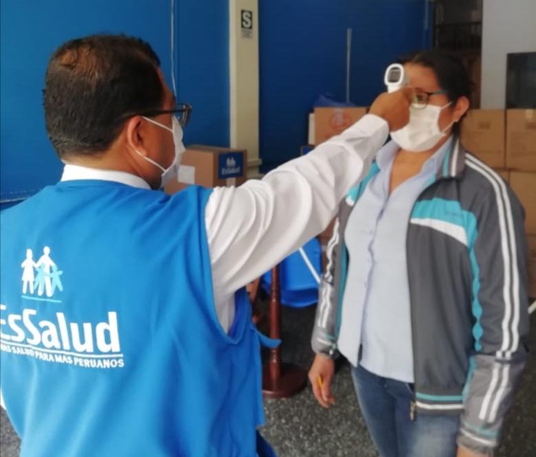 Essalud - EsSalud Amazonas adquiere modernos termómetros clínicos digitales
