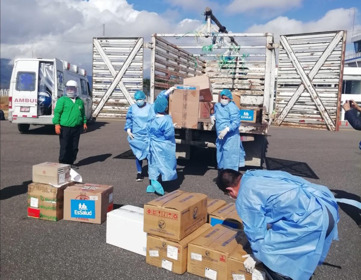 Essalud - EsSalud Amazonas recibe material médico, equipos de protección e implementos