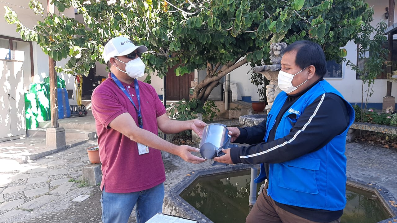 Essalud - EsSalud Cajamarca fortalece abastecimiento de equipos de protección para sus trabajadores