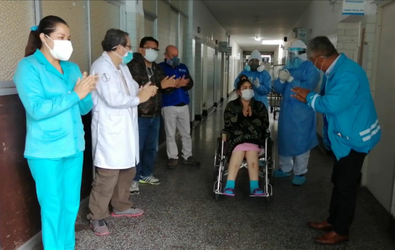 Essalud - UCI de EsSalud Áncash da de alta a 12 pacientes que vencieron al Covid-19