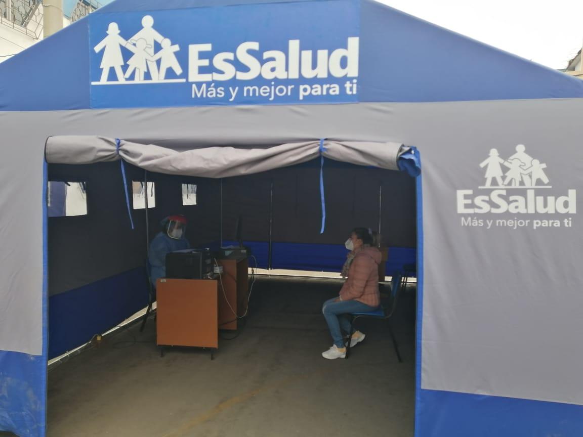 Essalud - EsSalud Ica implementa carpas de atención inmediata para pacientes con Covid-19