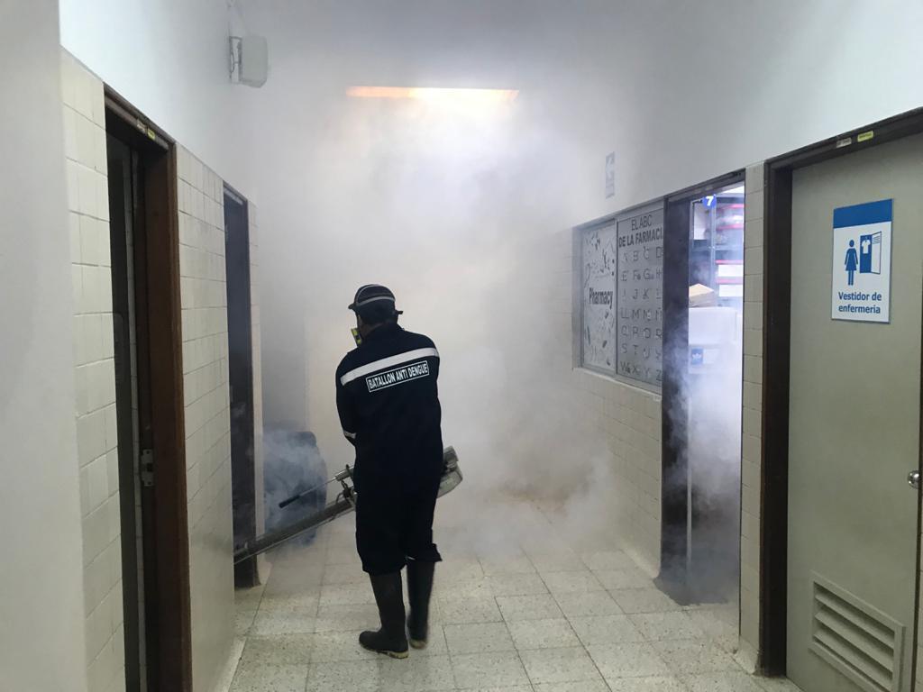 Essalud - EsSalud Ucayali fumiga y refuerza limpieza en sus centros asistenciales