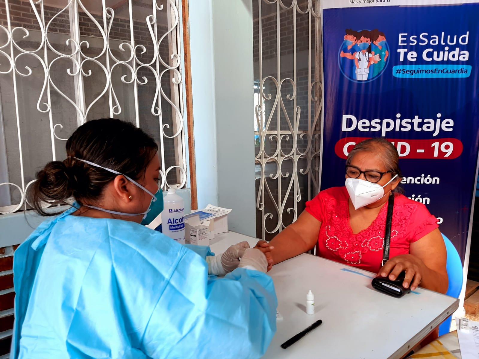 Essalud - Adultos mayores de EsSalud Loreto se benefician con jornada integral de salud para enfrentar al Covid-19