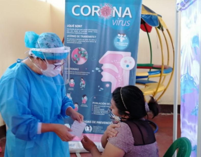 Essalud - EsSalud Áncash realiza jornadas de vacunación en beneficio de la comunidad