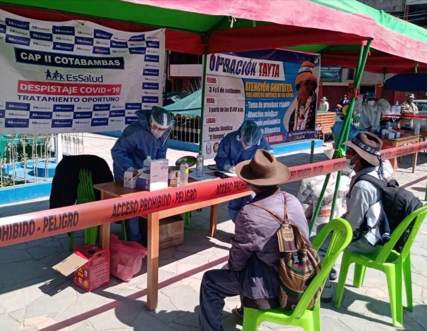 Essalud - EsSalud Apurímac desarrolló jornada gratuita de descarte de Covid-19 en Cotabambas