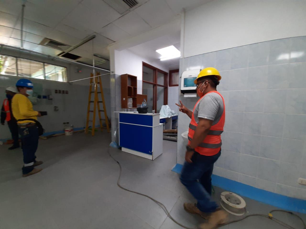 Essalud - EsSalud Loreto inicia mantenimiento y renovación de UCI adultos del Hospital III de Iquitos