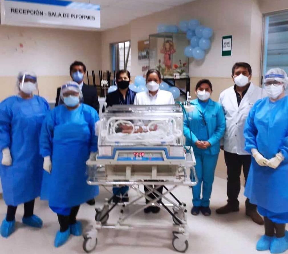 Essalud - Médicos de EsSalud La Libertad atendieron a bebé número 200 que nació durante pandemia en Hospital Virgen de la Puerta