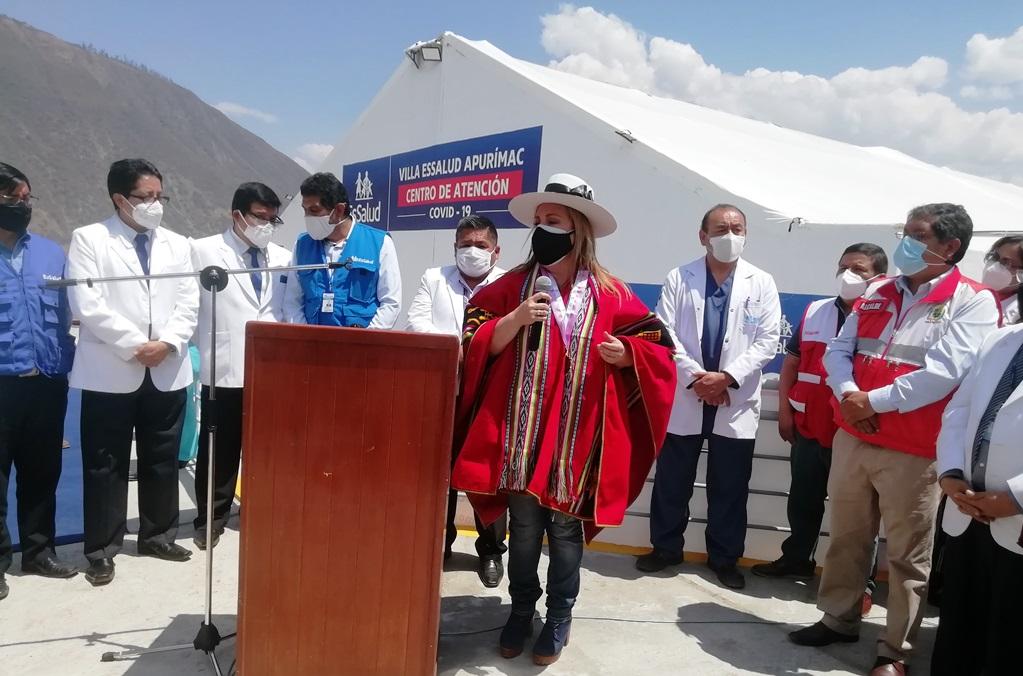 Presidenta de EsSalud pide prudencia y advierte que no debemos bajar la guardia pese a caída de contagios de Covid-19