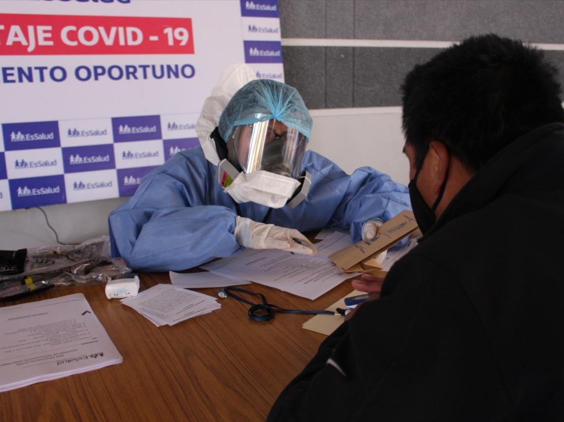 Essalud - EsSalud Puno realiza pruebas de descarte de Covid-19 a trabajadores de Universidad Nacional del Altiplano