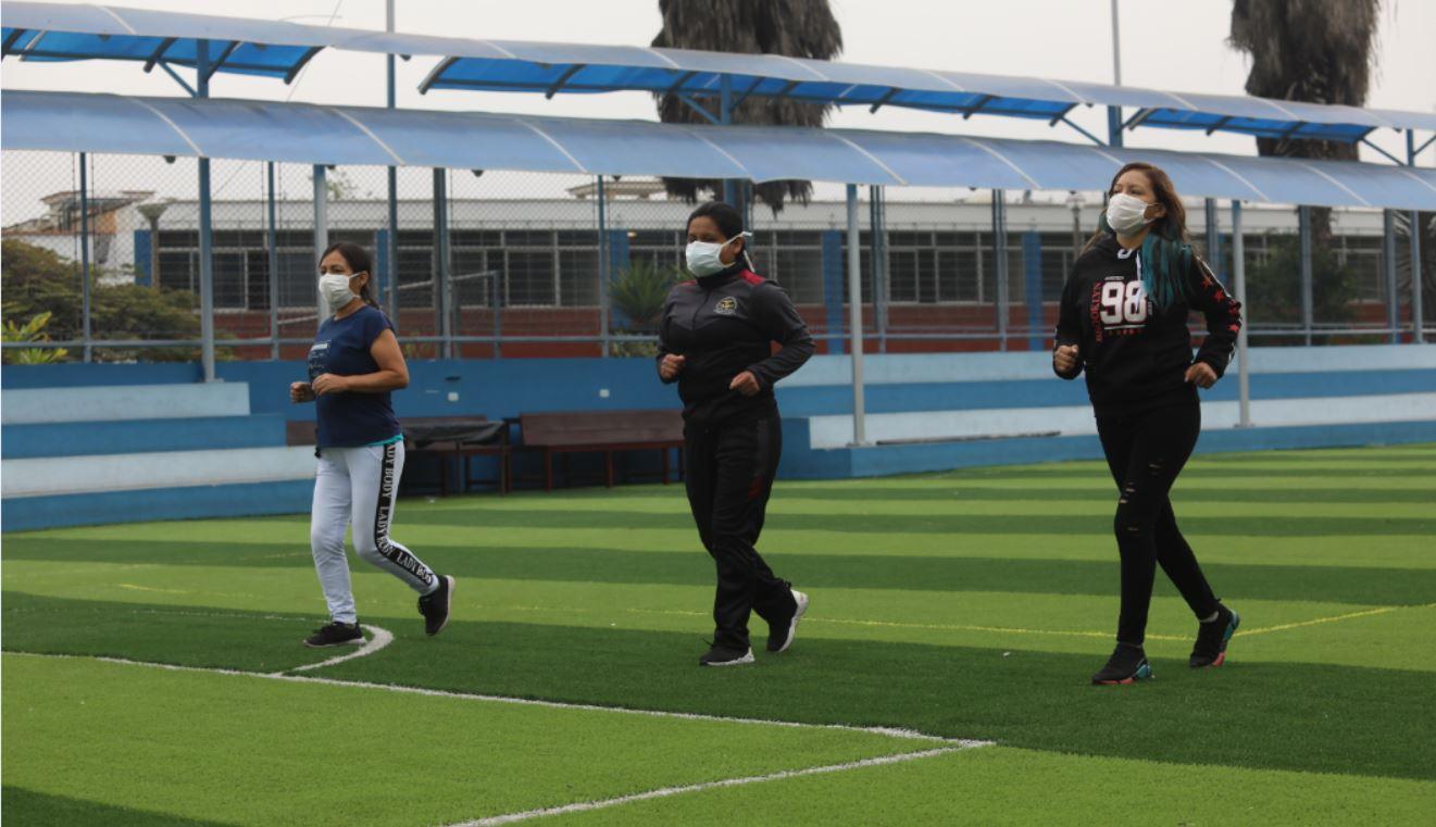 Essalud - EsSalud recomienda rigurosa autoprotección durante ejercicios al aire libre para enfrentar al mortal covid 19