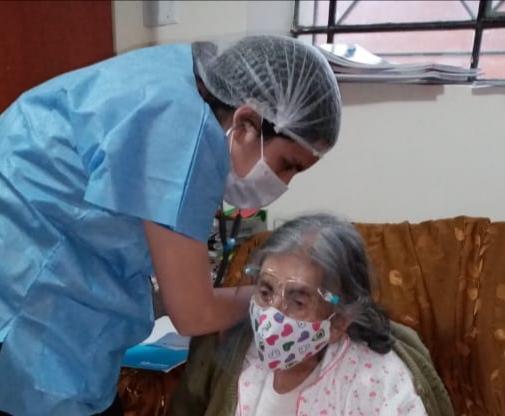 Essalud - EsSalud Amazonas amplia servicios de atención médica domiciliaria con apoyo del Hospital Perú