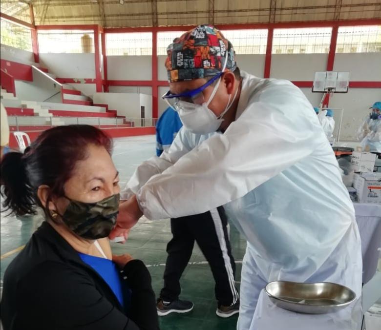 Essalud - EsSalud Amazonas realiza jornada de vacunación para proteger a los asegurados de la  región