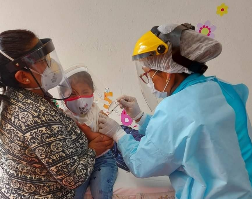 Essalud - EsSalud Puno continuará con jornadas de vacunación durante todo el año