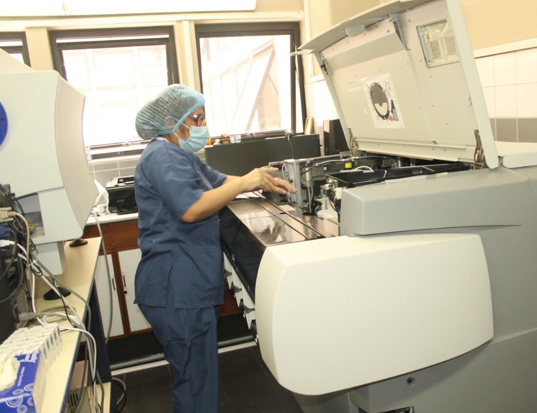 EsSalud Cusco implementa sistema que determina calidad de muestras de sangre en 40 minutos