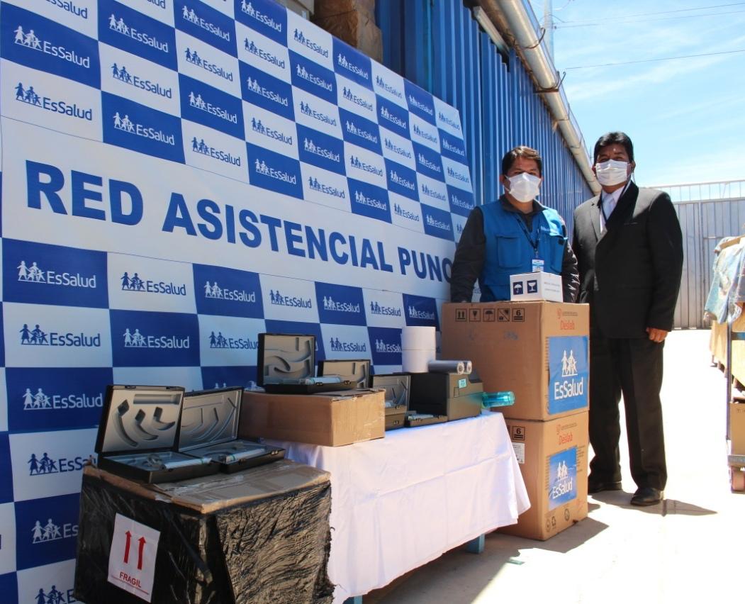 Essalud - EsSalud Puno recibe 100 balones de oxígeno y equipamiento médico