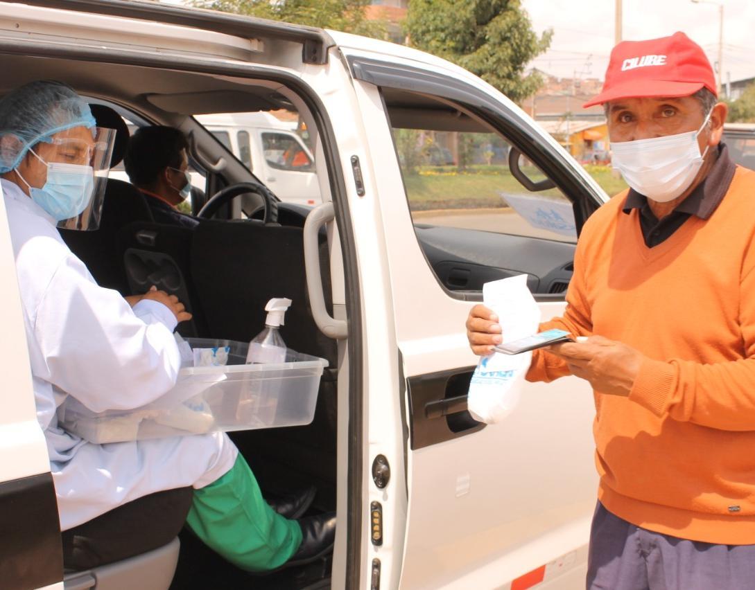 Essalud - EsSalud Cusco:  Farmacia móvil beneficia a más 60 mil asegurados con entrega de medicamentos