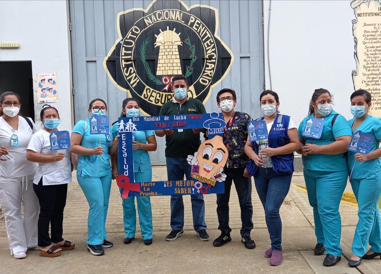 Essalud - EsSalud Tarapoto realiza descarte de VIH y campaña de sensibilización a trabajadores de penales de la región